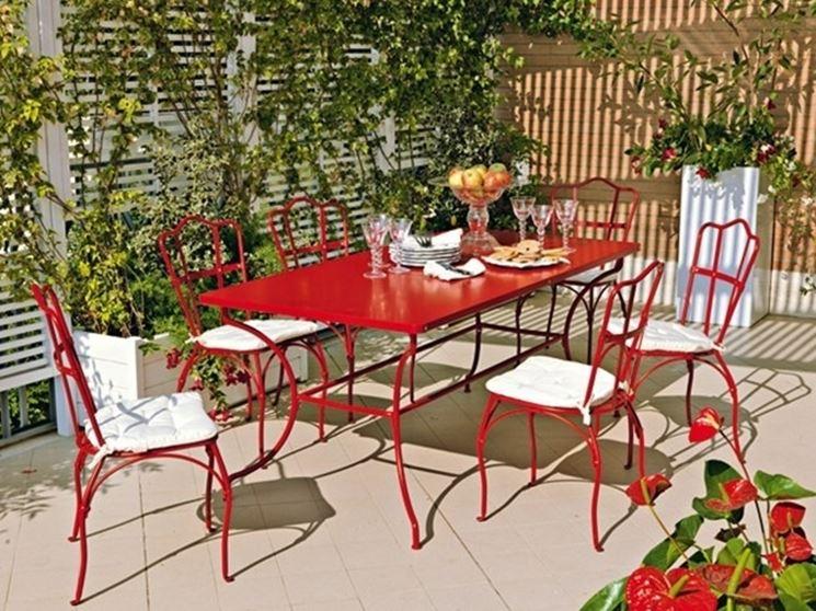 Tavoli Da Giardino In Ferro Battuto E Mosaico Usati.Tavolino In Ferro Battuto Per Esterno Sedia With Tavolino In Ferro