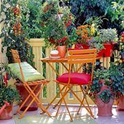 Tavolino piccolo con sedie
