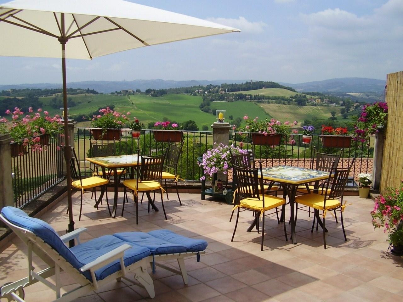 Casa moderna roma italy arredamenti per terrazzi - Terrazzo giardino ...