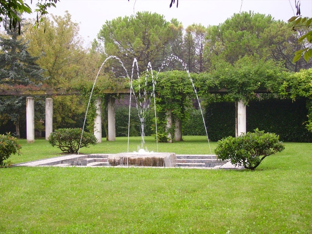 Fontana Da Parete Per Giardino : Arredi da esterno - accessori da ...