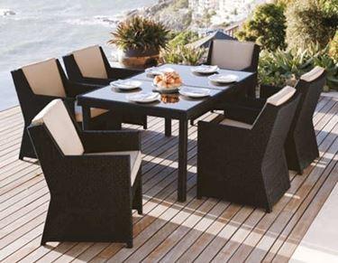 Tavolo e sedie da giardino: un classico per l'arredamento da esterno
