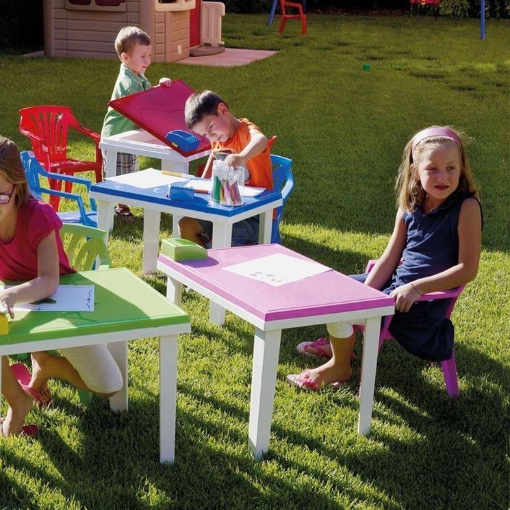 Arredo giardino in plastica per bambini