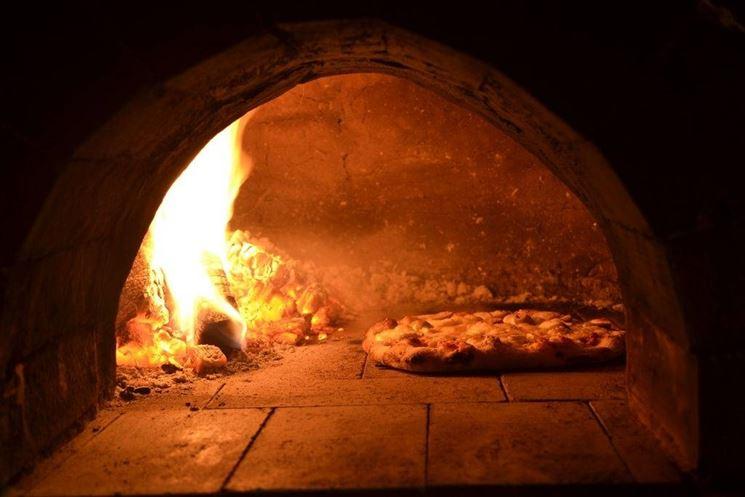 Forno a legna per pizza.