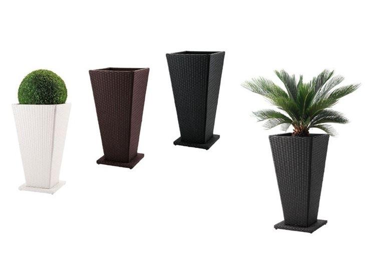 porta piante in vimini per esterno