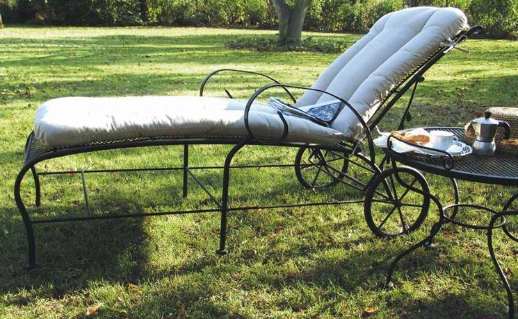 Set giardino accessori da esterno come arredare il for Arredo giardino ferro battuto