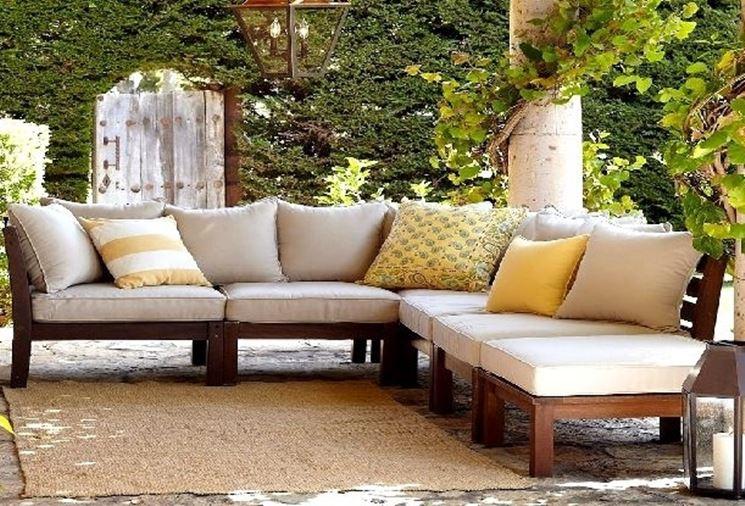 Set giardino accessori da esterno come arredare il for Divano esterno legno