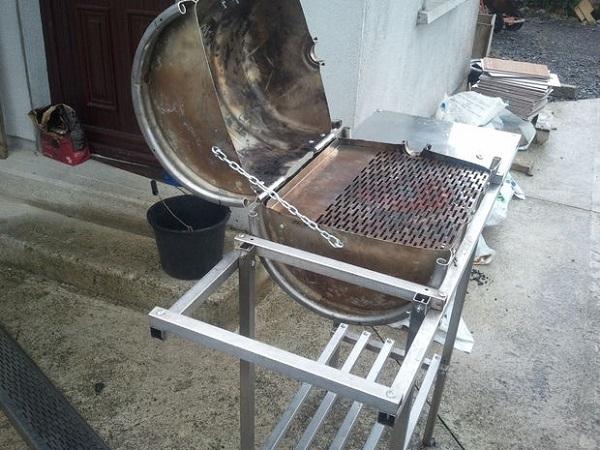 Come costruire un barbecue in ferro barbecue barbecue for Bbq affumicatore fai da te