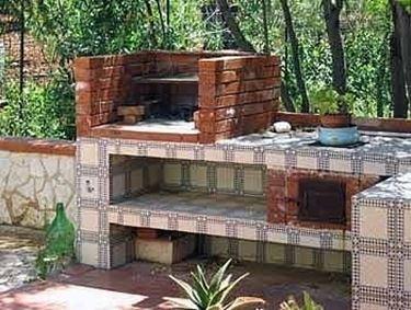 Contenitori cilindrici plastica come costruire un - Cucina in muratura per esterni con barbecue ...