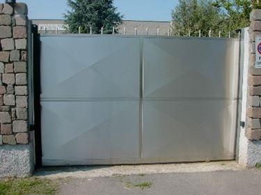 cancello in acciaio