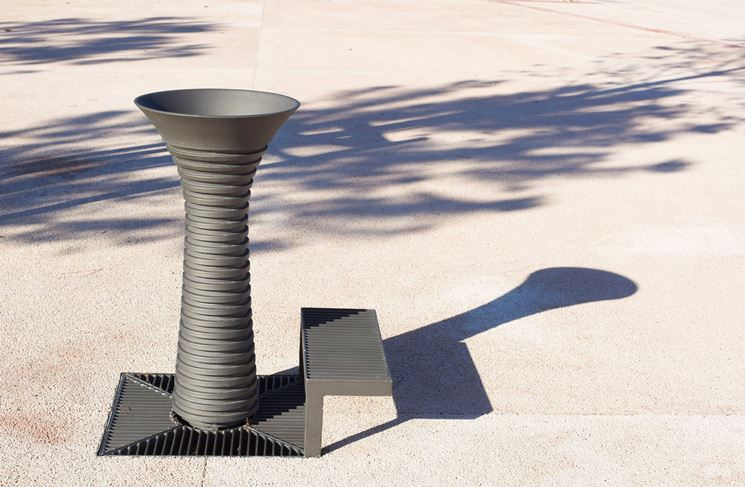 fontana in ghisa moderna