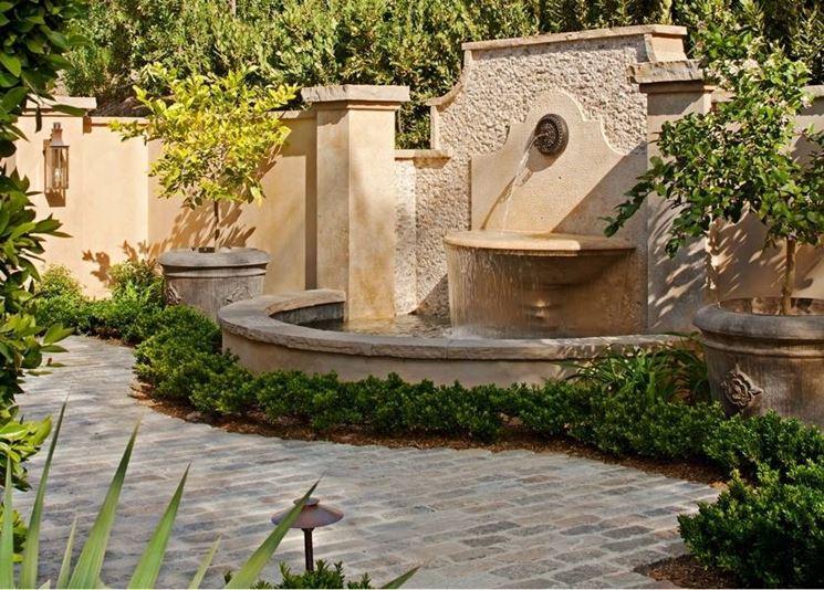Fontanelle in pietra fontane fontanelle di pietra for Giardini ville moderne