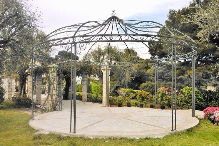 Gazebi in ferro battuto gazebo ferro battuto per la - Pergola giardino ...