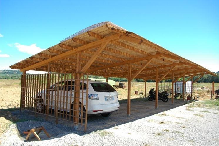 Gazebo auto gazebo caratteristiche gazebo per auto for Gazebo legno arredamento