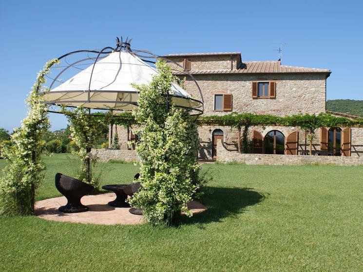 Gazebo in ferro battuto gazebo scegliere gazebo in for Giardino casa classica