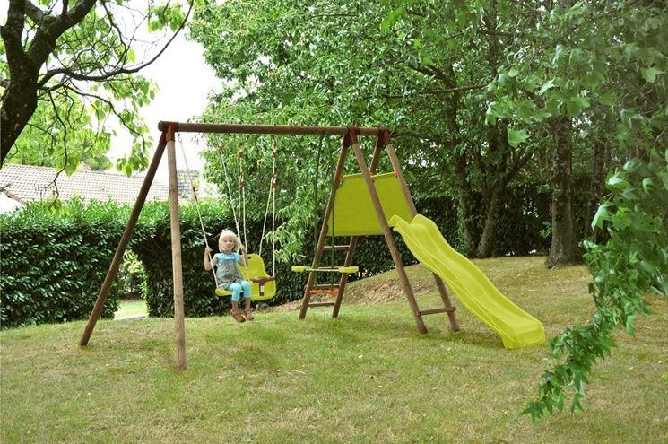 Altalene in legno giochi da giardino caratteristiche delle altalene in legno - Altalena da giardino in legno ...