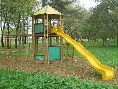 Scivoli Giochi In Giardino Acquistare Uno Scivolo Per Bambini