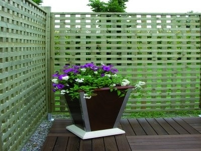 Grigliati in legno grigliati e frangivento da giardino for Divisori da giardino in plastica