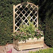 griglia in legno e fiori