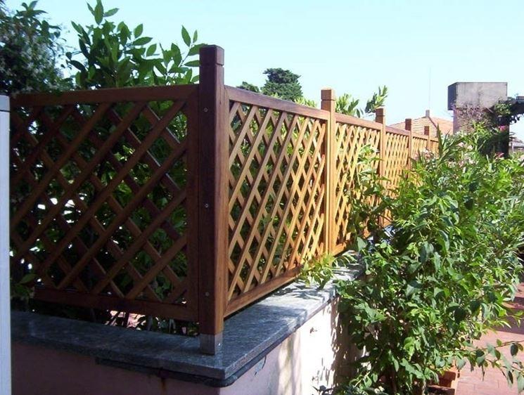 Griglie legno giardino grigliati e frangivento da for Divisori giardino ikea