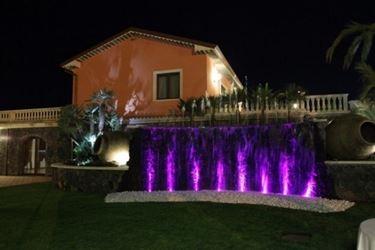 luci da giardino colorate