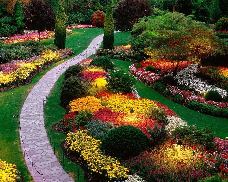 Luci per il giardino illuminazione giardino luci giardino for Giardino fiorito