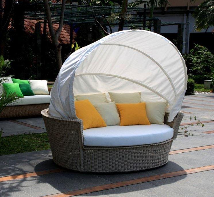 Arredamenti per giardini mobili da giardino arredare for Divanetti giardino