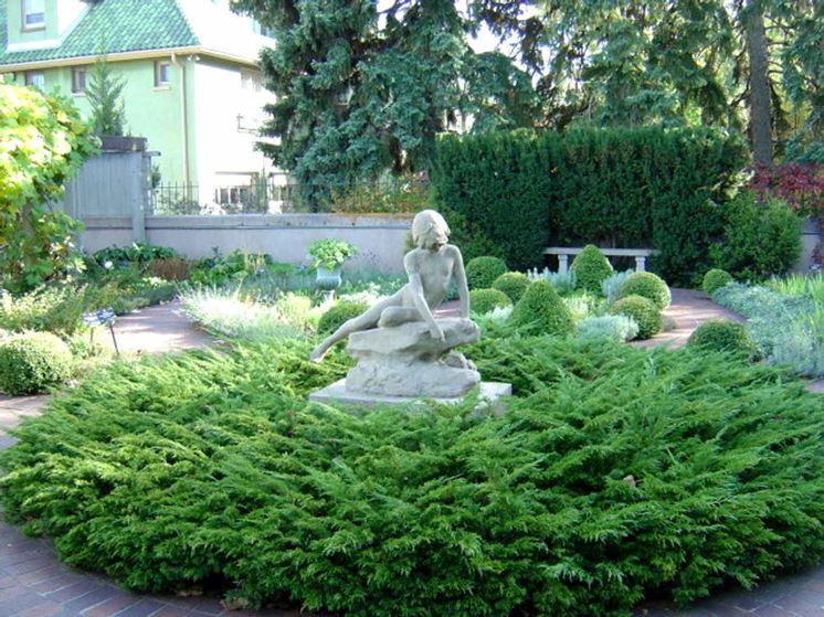 Arredo per giardino mobili da giardino giardino arredo for Decorazioni in ferro per giardino