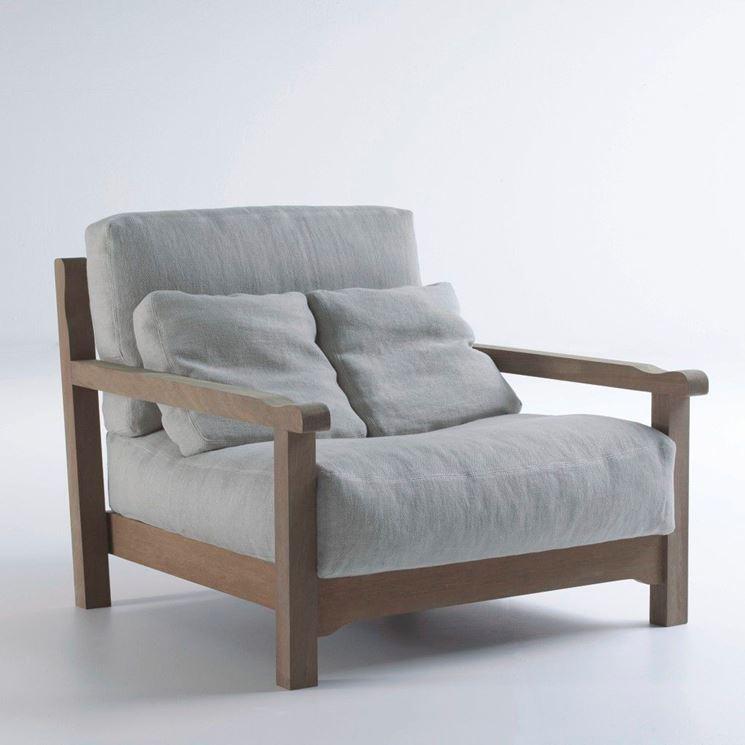 Panchina in legno da giardino