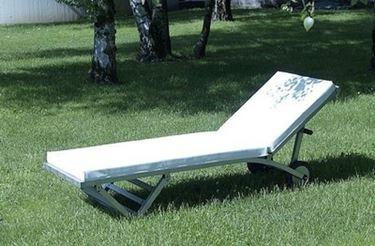 lettino da giardino in alluminio