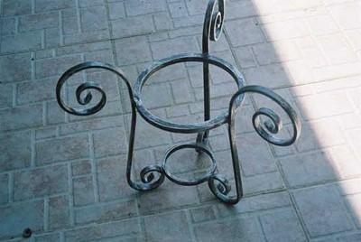 Portavasi mobili da giardino for Portavasi in ferro