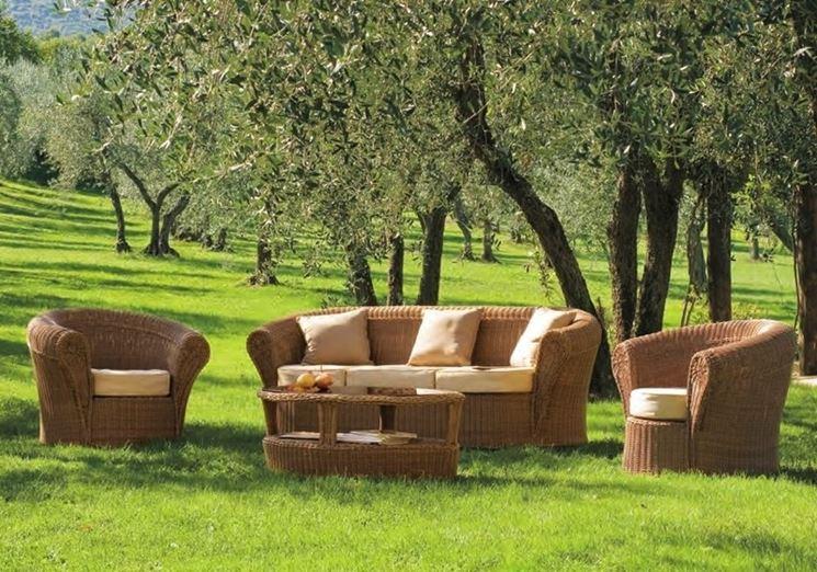 Mobili in vimini per esterno design casa creativa e for Arredamento da giardino prato