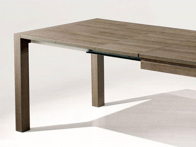 Tavolo da giardino allungabile in legno