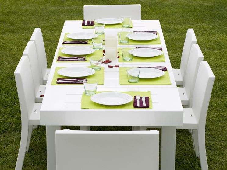 Tavoli da giardino allungabili mobili da giardino tipologie e materiali dei tavoli da - Mobili da esterno in resina ...