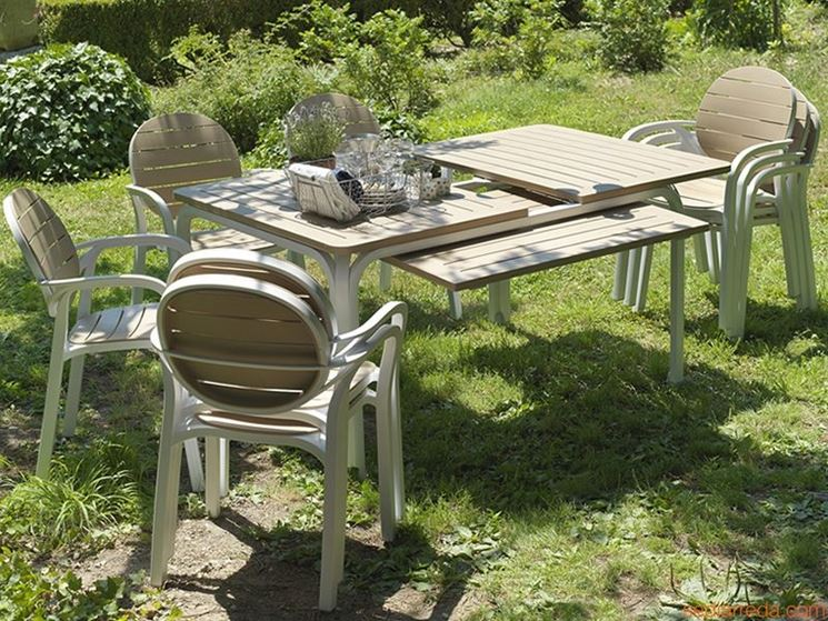 Tavolo da giardino allungabile in metallo