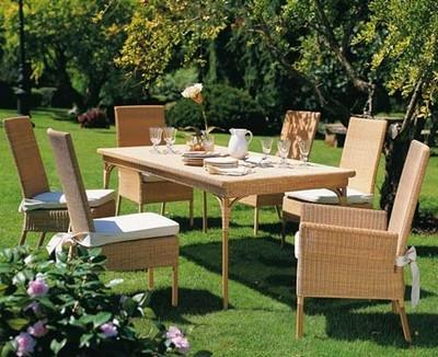 Tavoli da giardino mobili da giardino come scegliere for Mobili in legno da esterno