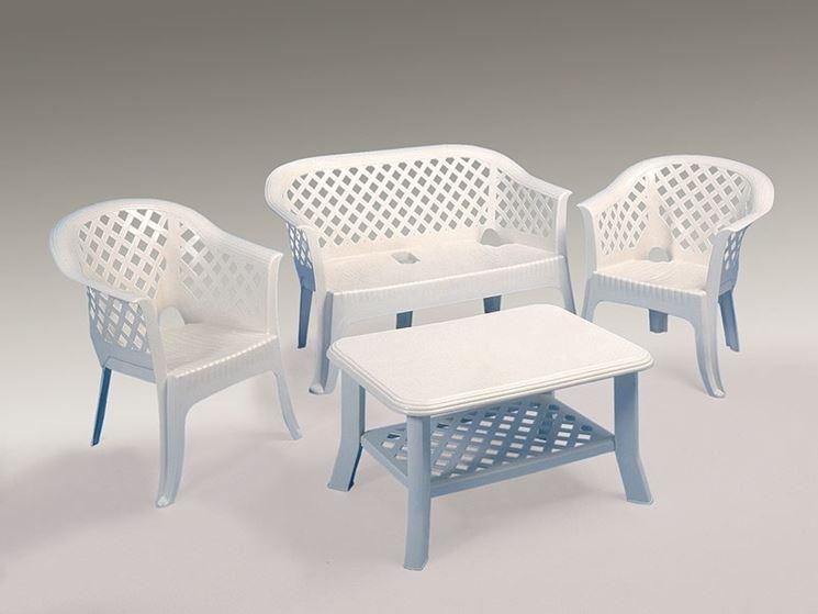 Tavoli in plastica da giardino mobili da giardino - Tavolo plastica esterno ...