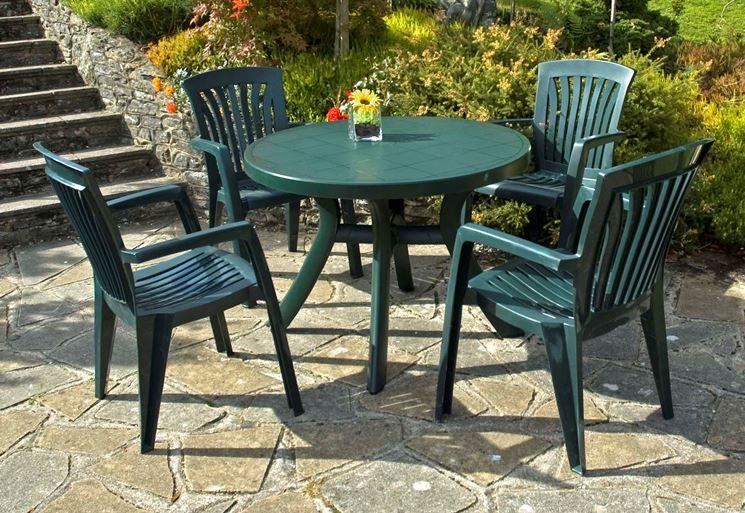 Tavoli in plastica - mobili da giardino - Tavoli realizzati in ...