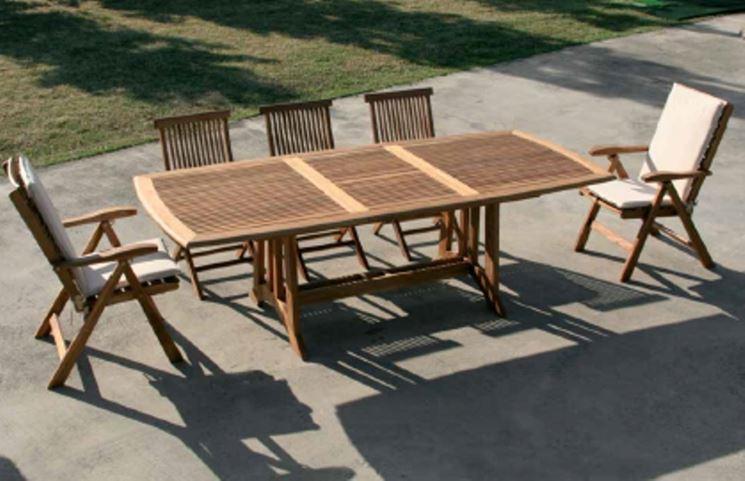 Tavolo da giardino con ribalta