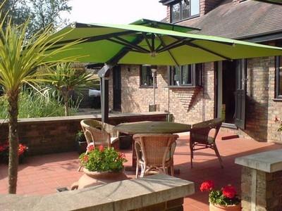 vendita ombrelloni - mobili da giardino