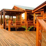 Struttura esterna in legno
