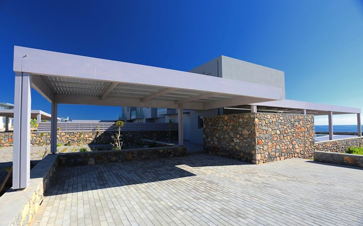 Coperture per auto - pergole e tettoie da giardino - Quale copertura per auto scegliere