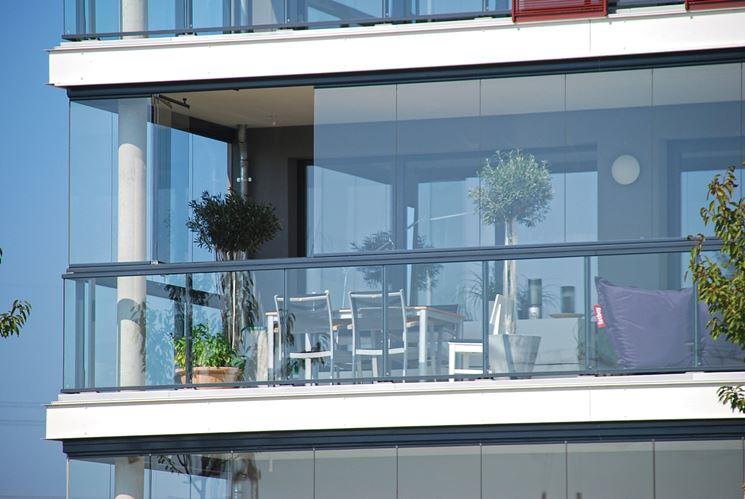 chiusura balcone con vetrate