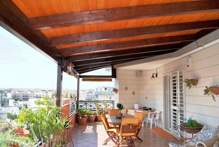 Coperture terrazzi pergole e tettoie da giardino come - Verande su terrazzi ...