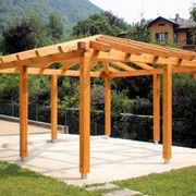 Pergolato in legno su basamento