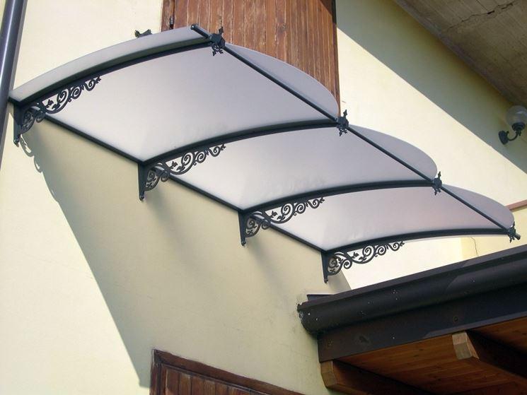Pensilina policarbonato pergole e tettoie da giardino caratteristiche e tipologie di - Tettoie da giardino in ferro ...