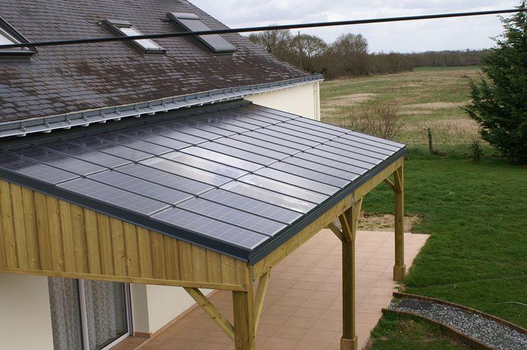 pensilina fotovoltaica in legno su ingresso privato
