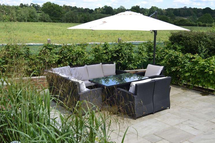 Pensiline in ferro pergole e tettoie da giardino - Pergole da giardino ...
