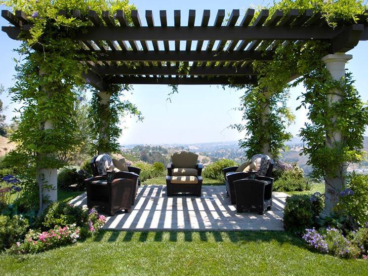 Struttura pergolato giardino