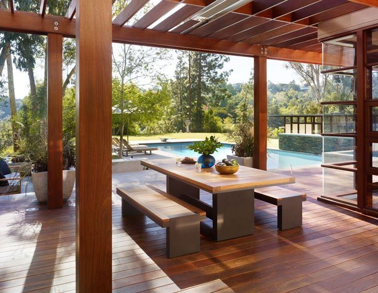 Strutture in legno per terrazzi - pergole e tettoie da giardino - Arredare il terrazzo con il legno