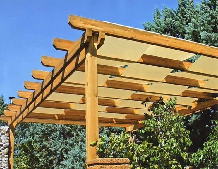 Tettoia garage costruita in legno